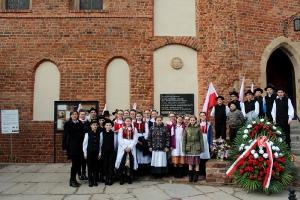Szkolny Zespół Regionalny na występach we Wrocławiu_21