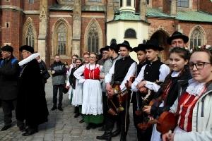 Szkolny Zespół Regionalny na występach we Wrocławiu_39